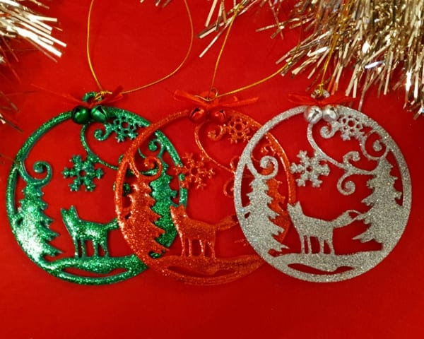 Hanmade Christmas decorations made using casting resin