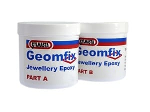 Geomfix Coloured Epoxy is a coloured modelling putty popular with model makers, jewellery makes and other crafts people